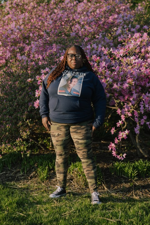 Portrait of Aishah George whose son was killed by gun violence