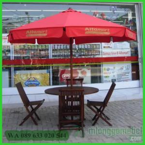 Payung Cafe Dengan Payung Rumbai
