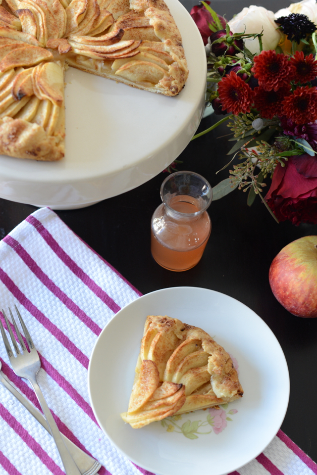 apple galette recipe via M Loves M @marmar