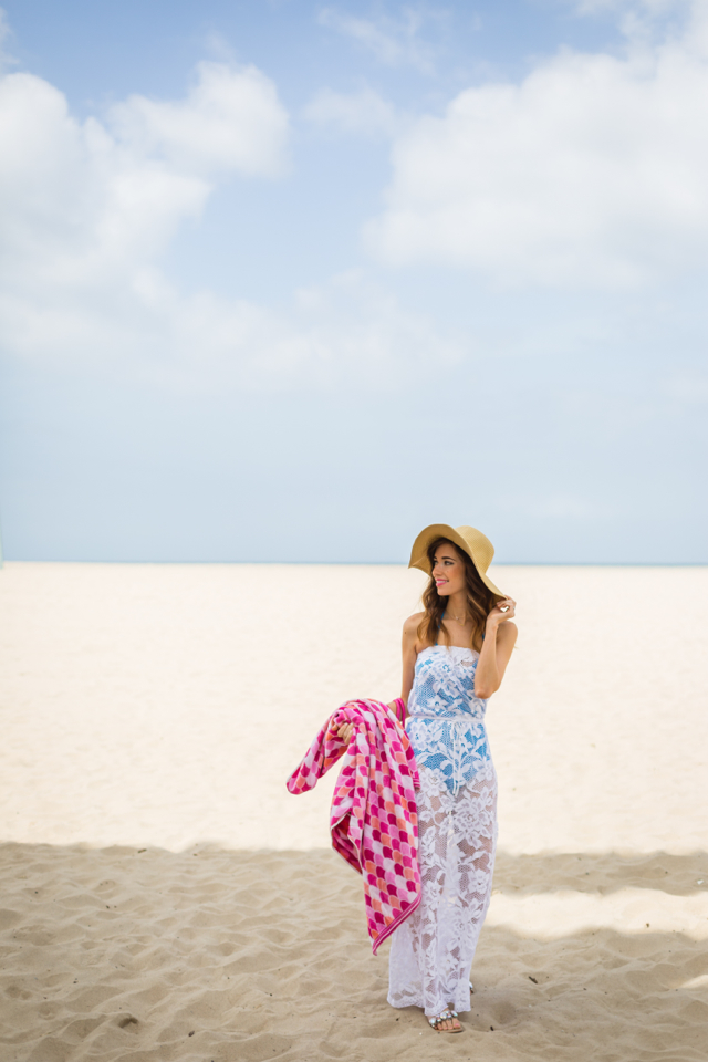 what to pack in your beach bag for a day by the water M Loves M @marmar