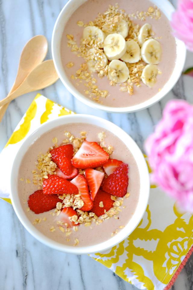 strawberry banana and peach smoothie bowl recipe M Loves M @marmar