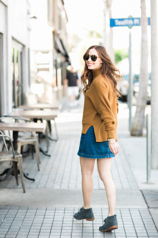 casual fall outfit with desert boots by M Loves M