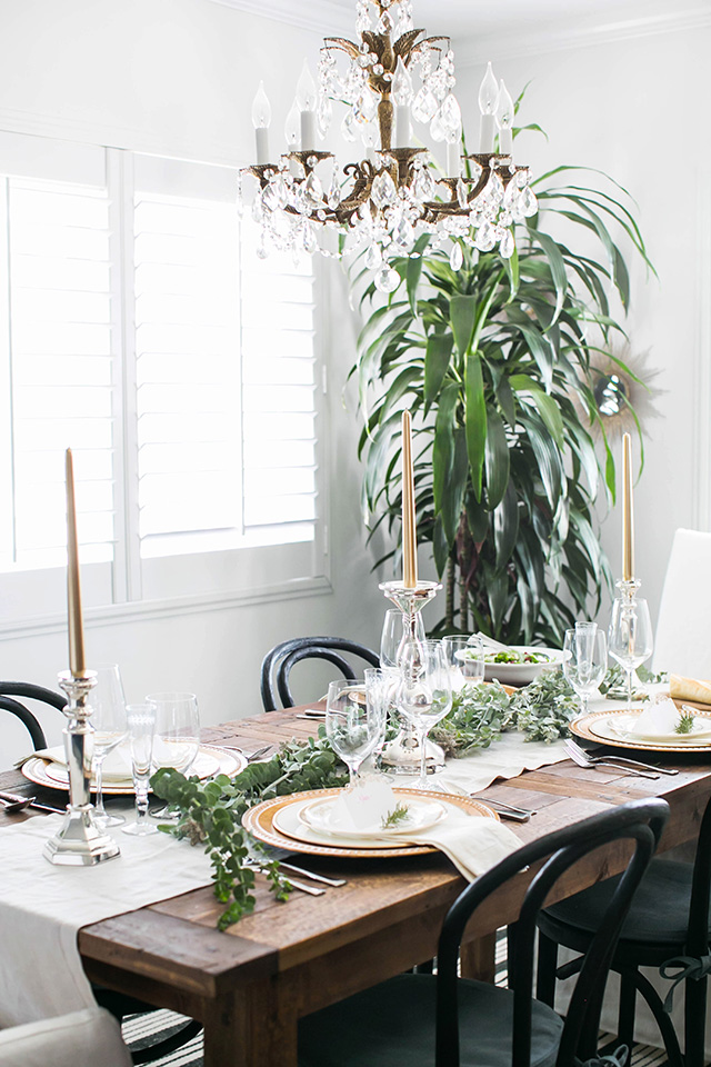 simple and elegant christmas table M Loves M