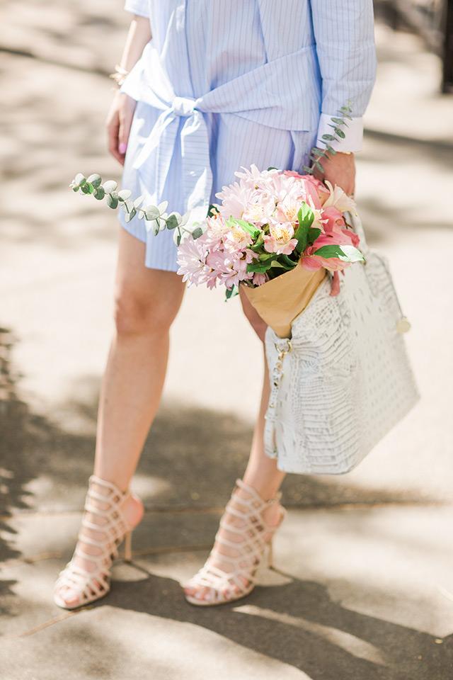 blue and white shirtdress with white bag and Steve Madden Slithur sandal heels M Loves M
