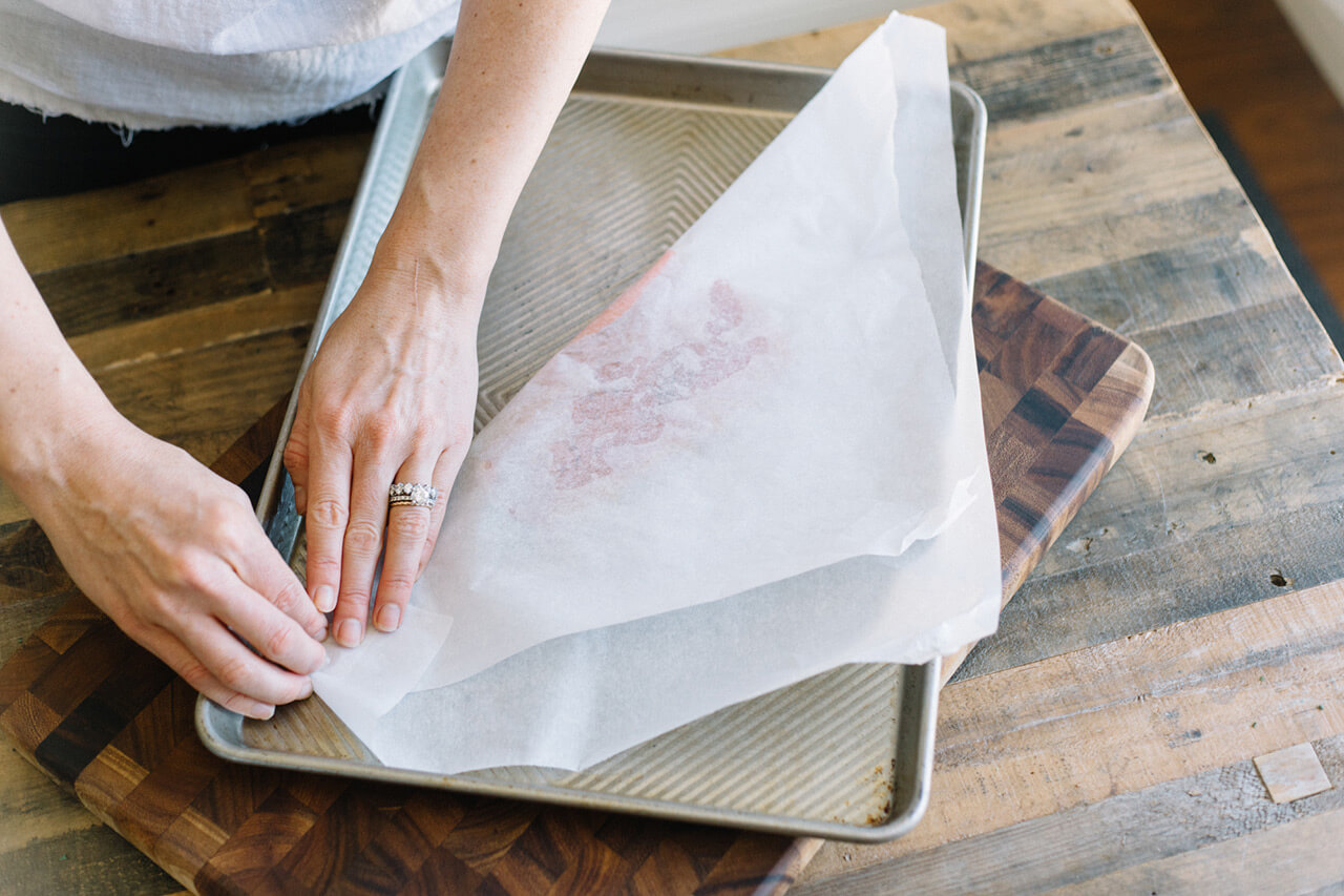 how to make parchment packets when cooking salmon in the oven