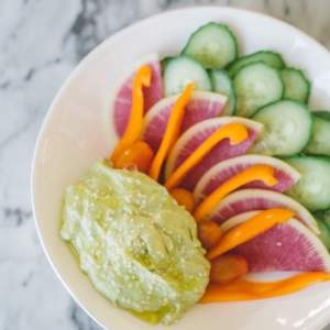 pregnancy superfoods- avocado + a recipe for a healthy dip