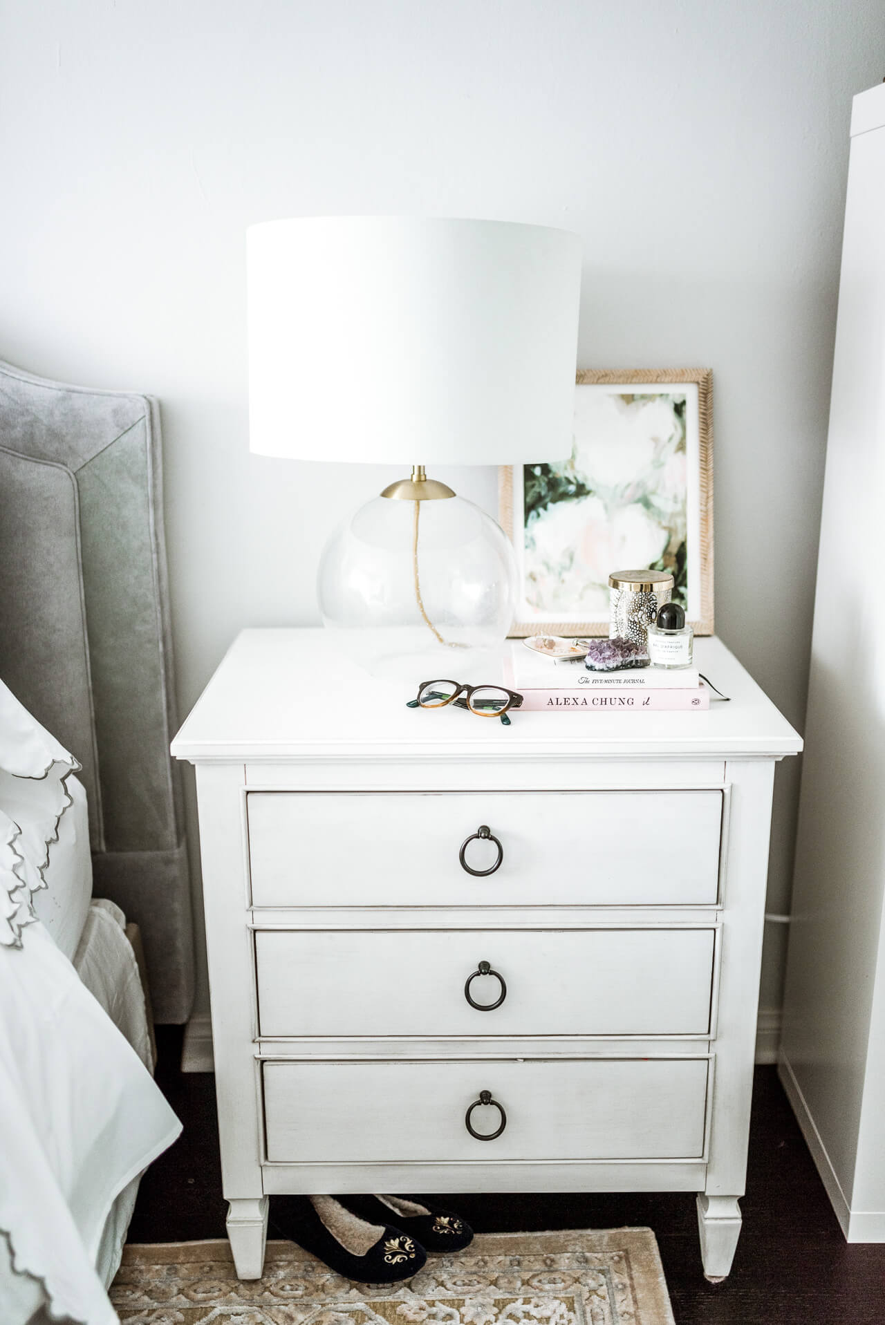 love this clear glass table lamp