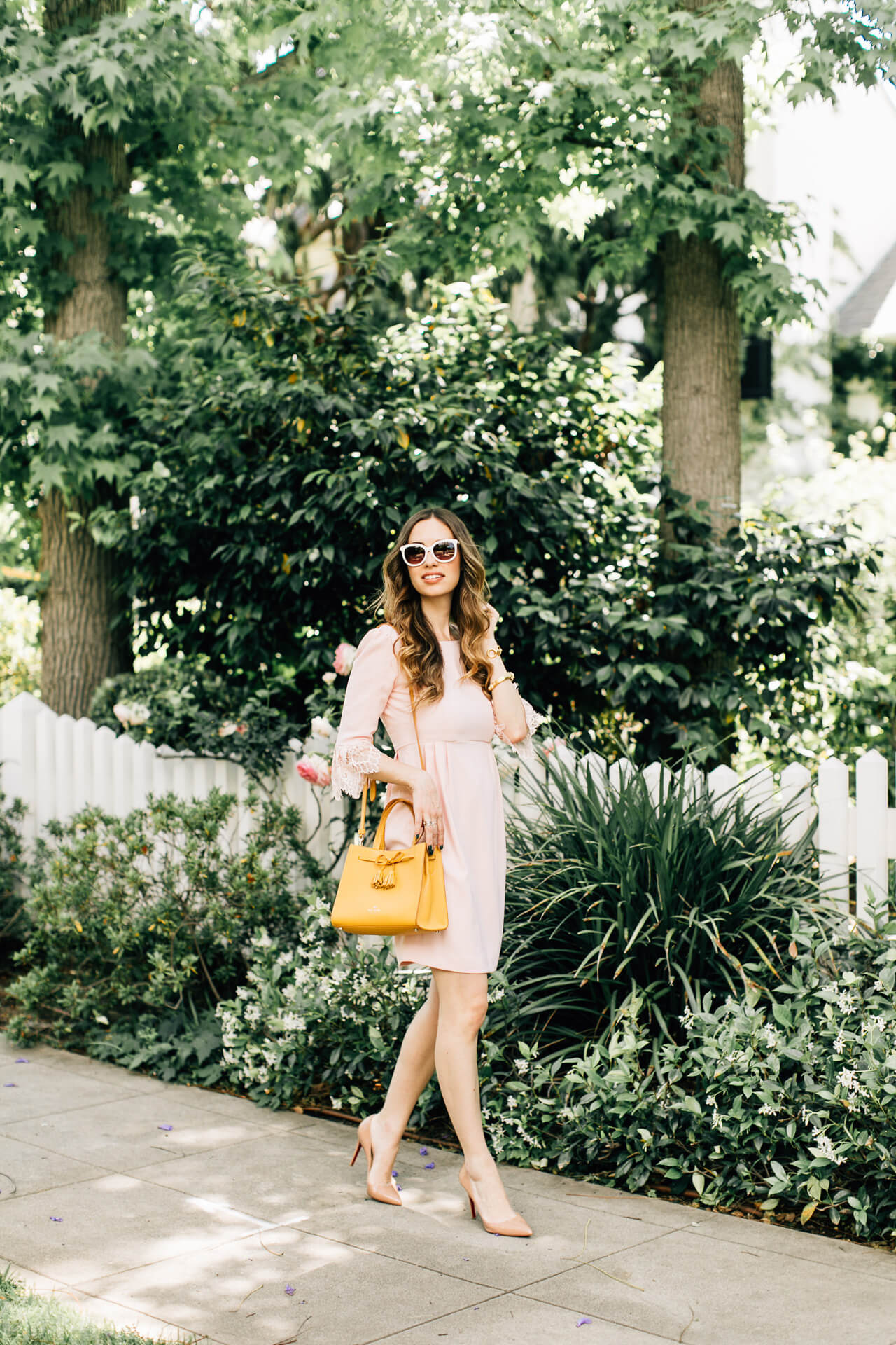 love this pink and mustard outfit inspiration for spring - so feminine!