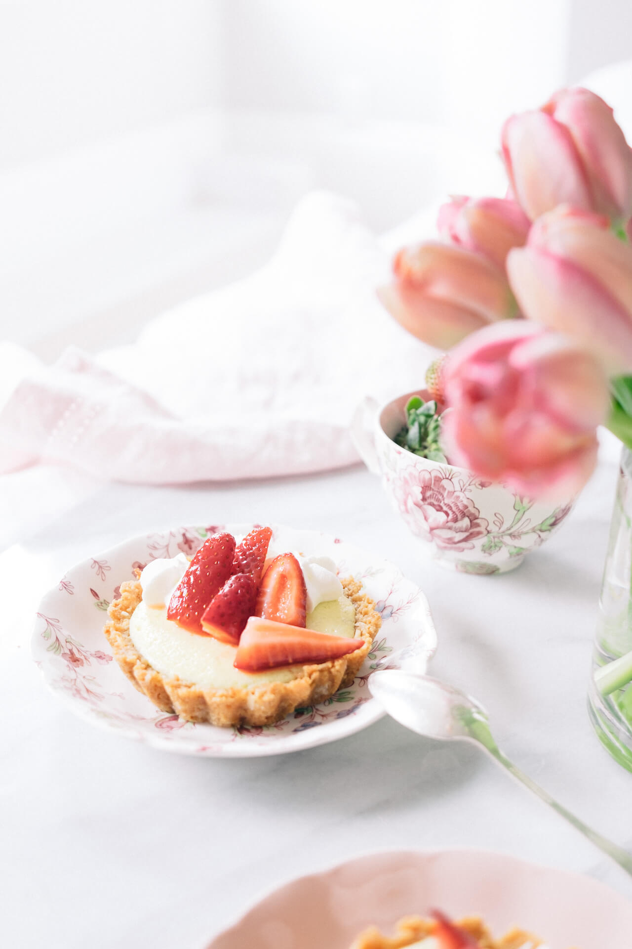 mini key lime tart recipe with strawberries- dessert idea for a spring party