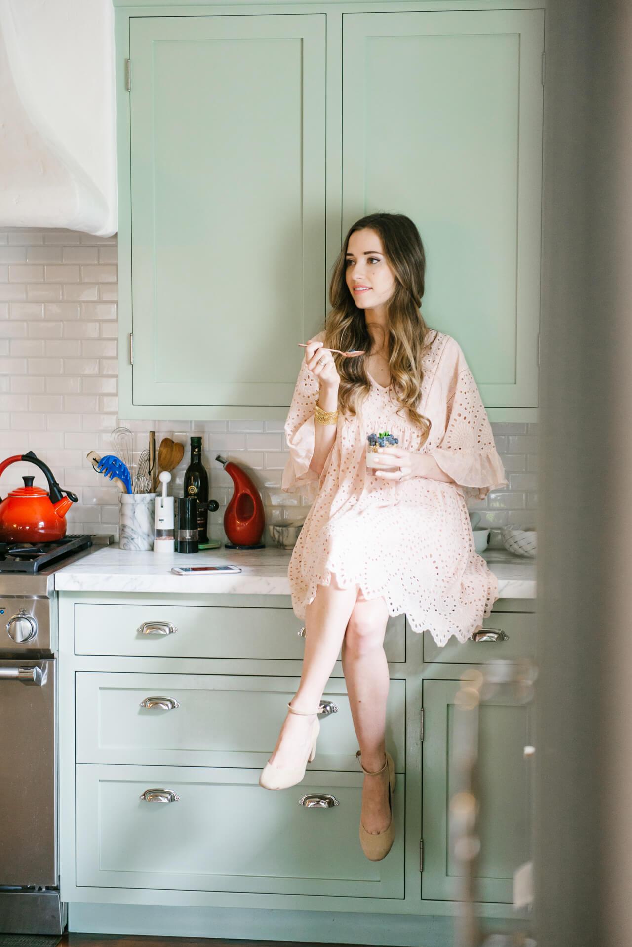 Love this beautiful kitchen and cute peach dress! - M Loves M @marmar