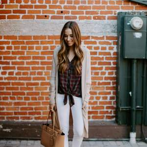 styling white jeans for fall