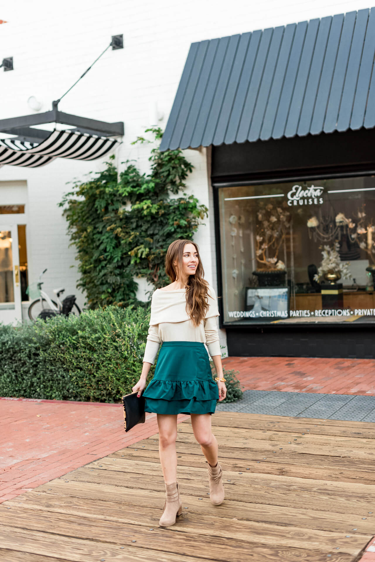 a cute and casual fall look for southern california