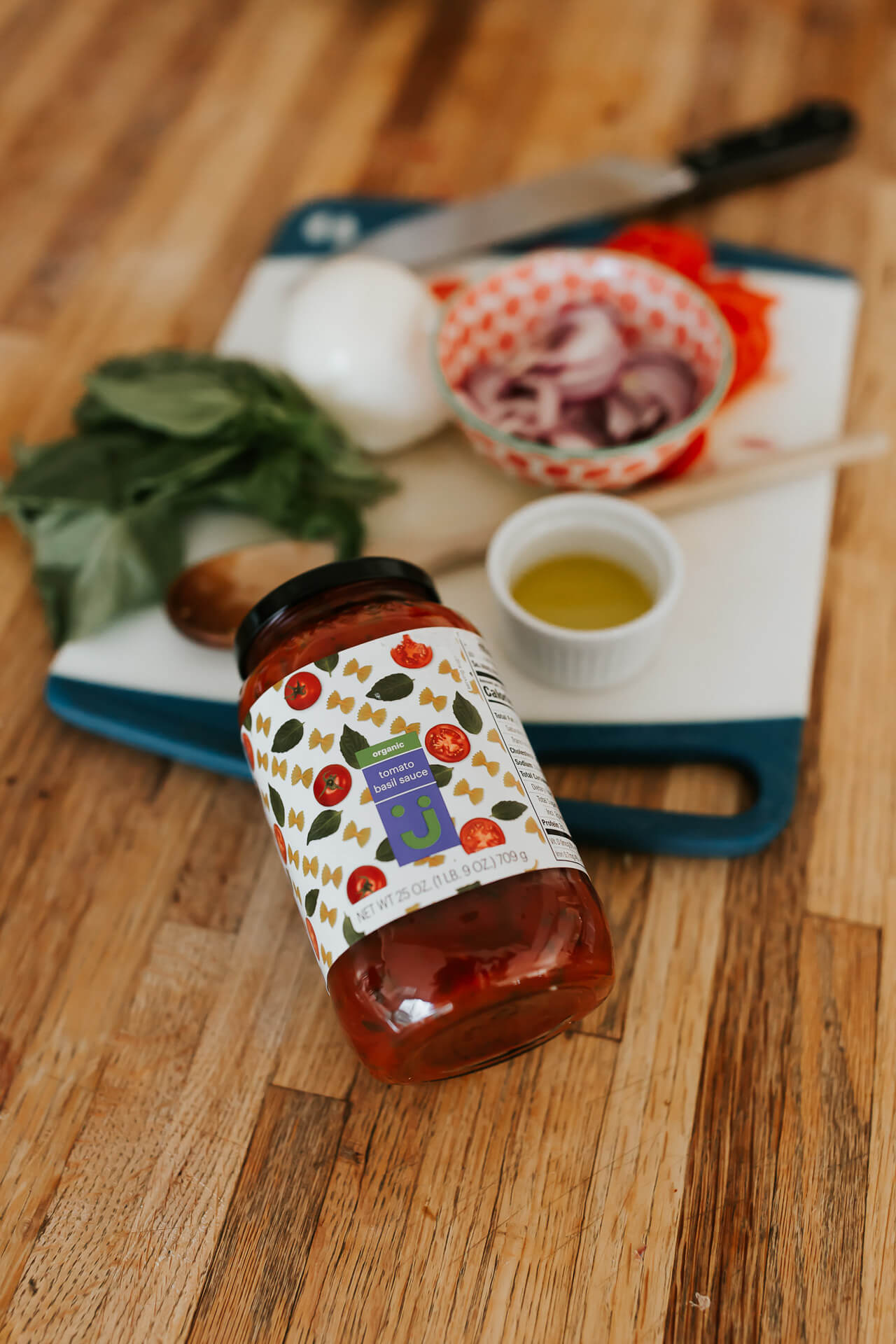 love this organic tomato basil sauce by Jet