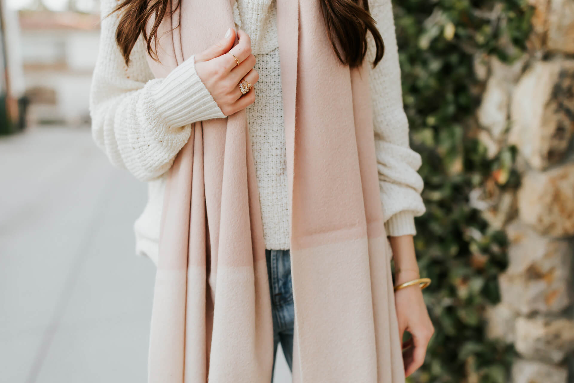 the prettiest two-tone scarf with fringe - perfect for winter