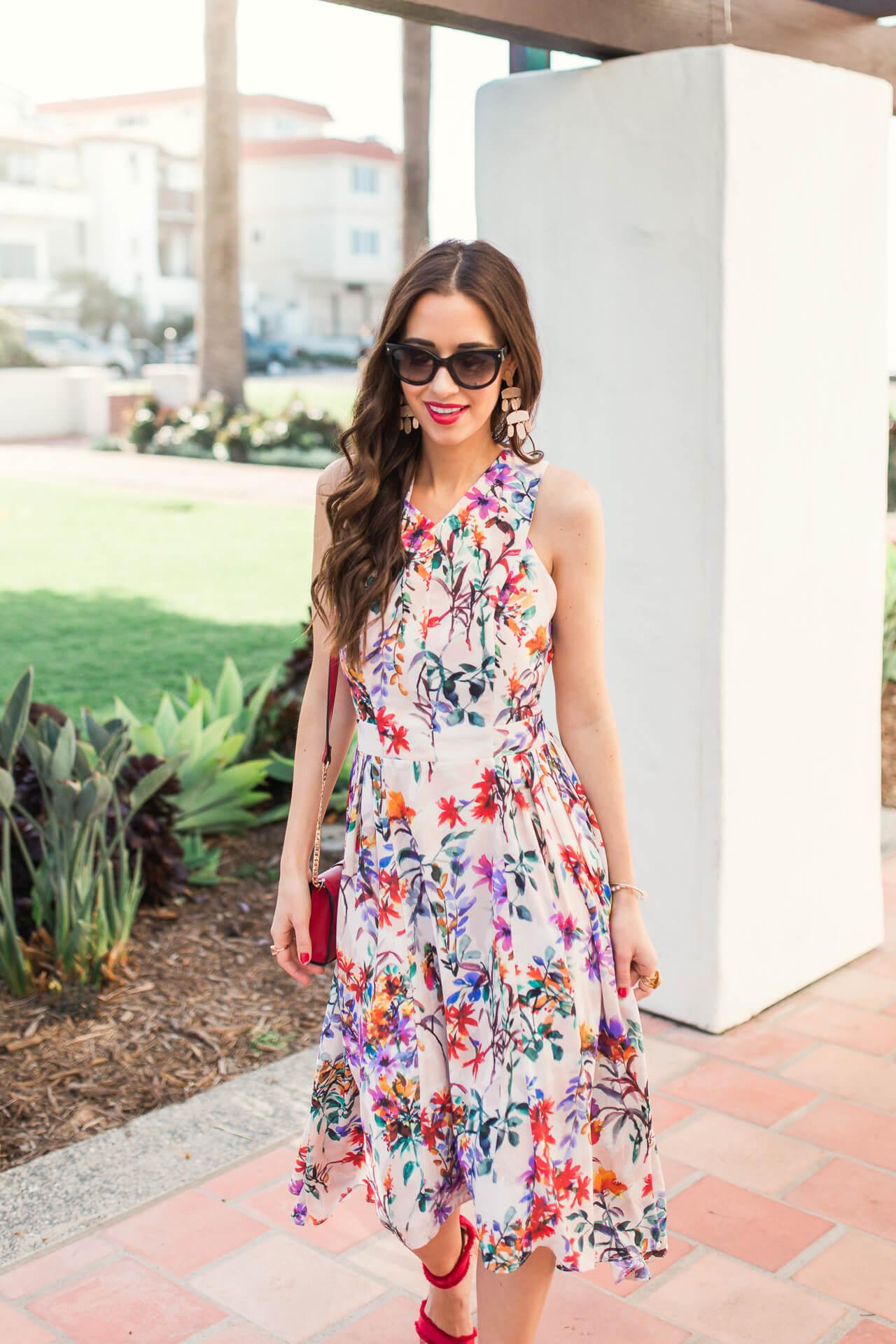 a pretty feminine dress for spring - M Loves M