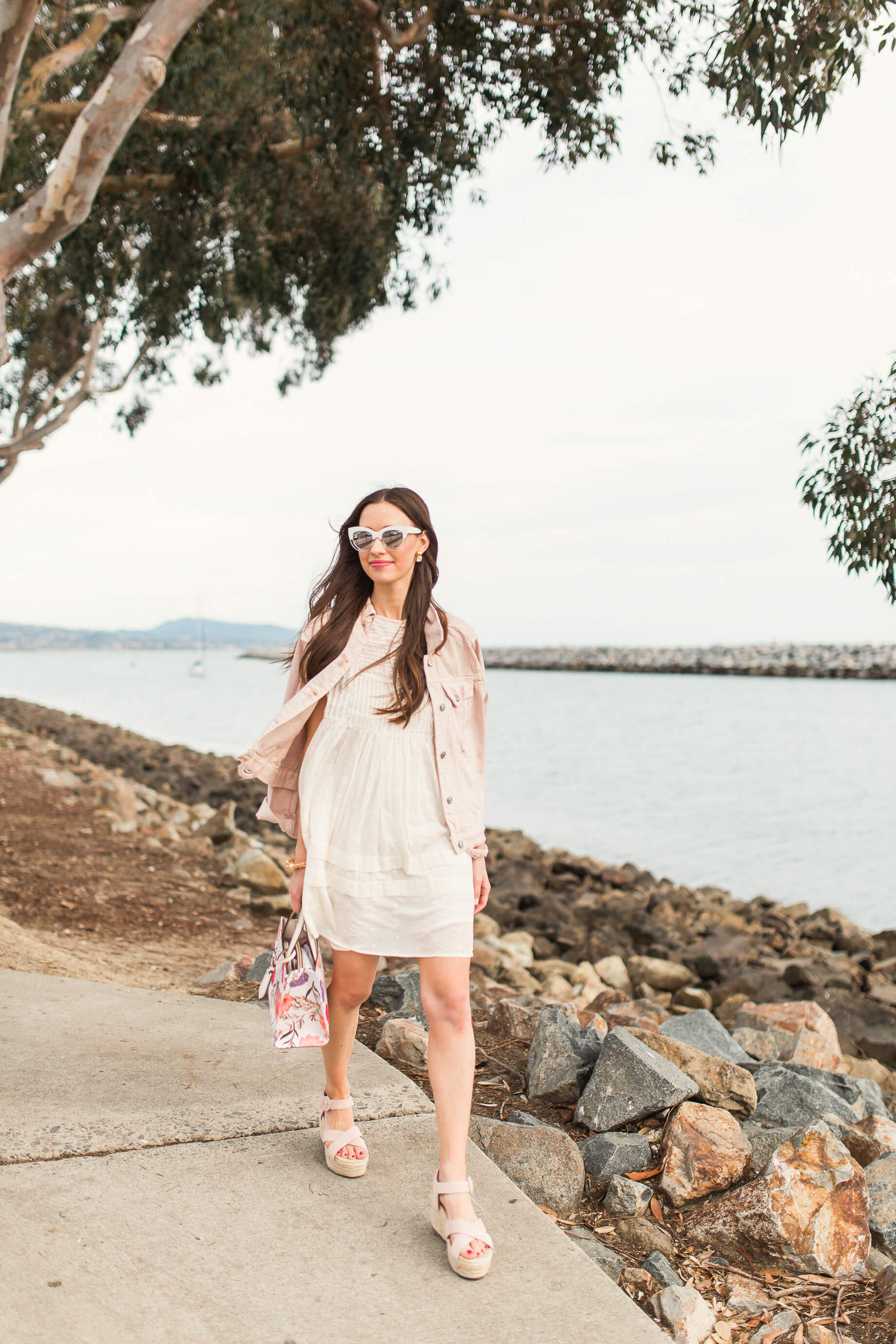 the prefect eyelet dress for spring!