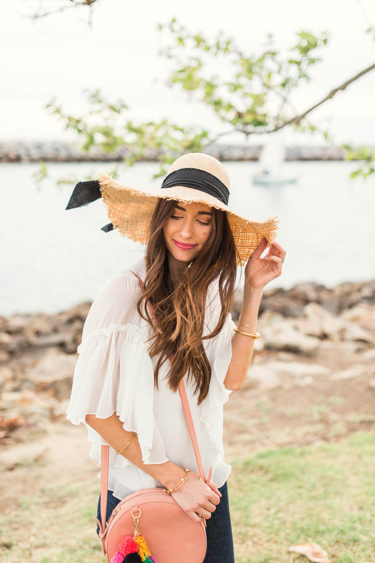 cute way to wear a straw hat for spring - M Loves M