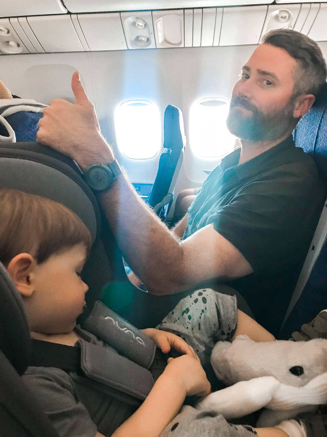 tips for traveling on an airplane with a toddler - M Loves M @marmar