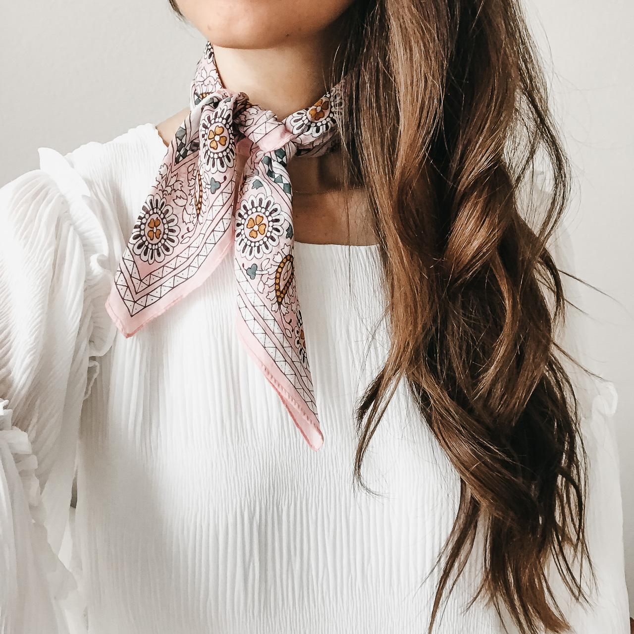 Who else loves the bandana scarf trend? I do! Here's three ways I styled a bandana scarf. | M Loves M @marmar