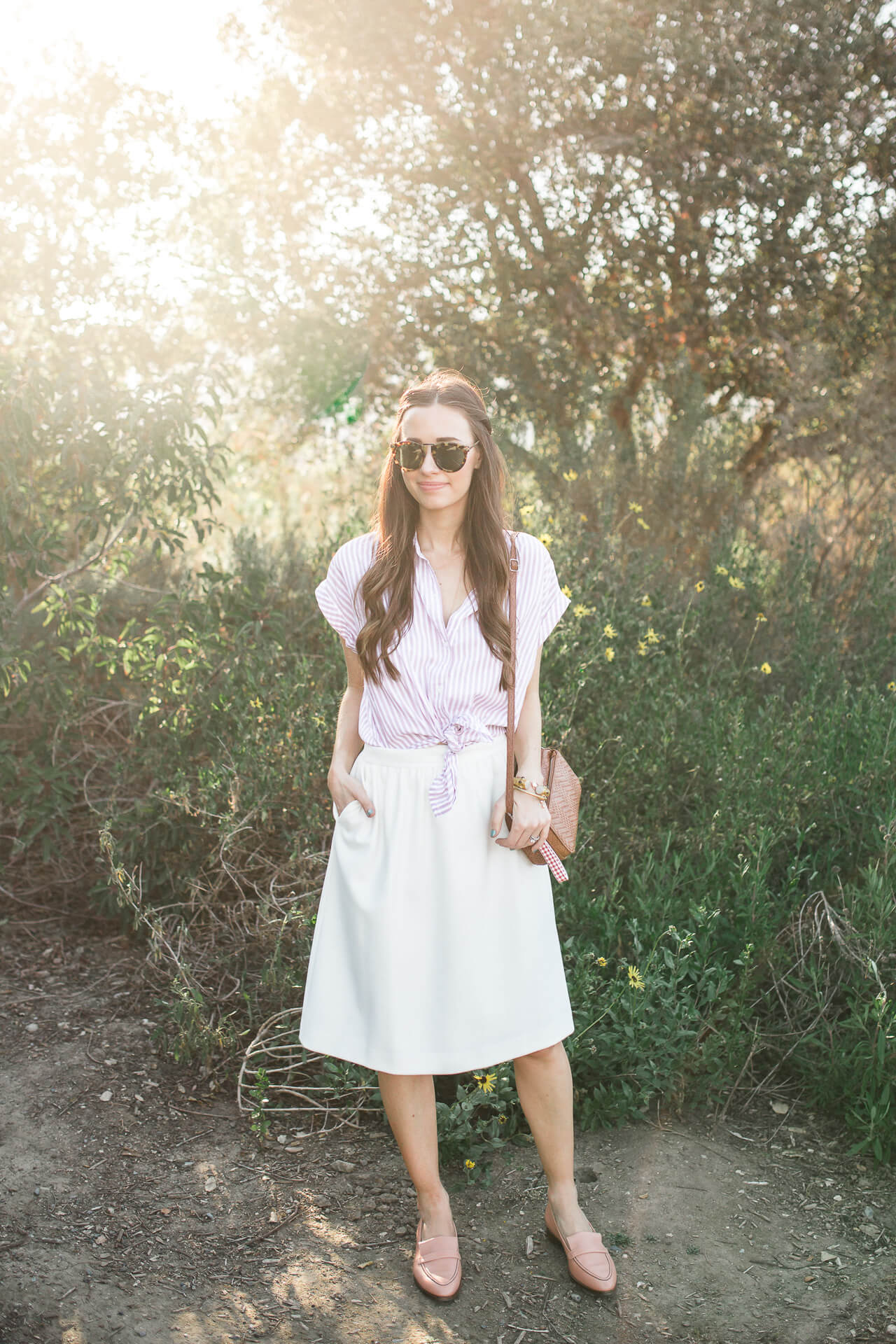 Looking for spring outfit inspiration? Check out this button-down and skirt combo!| M Loves M @marmar