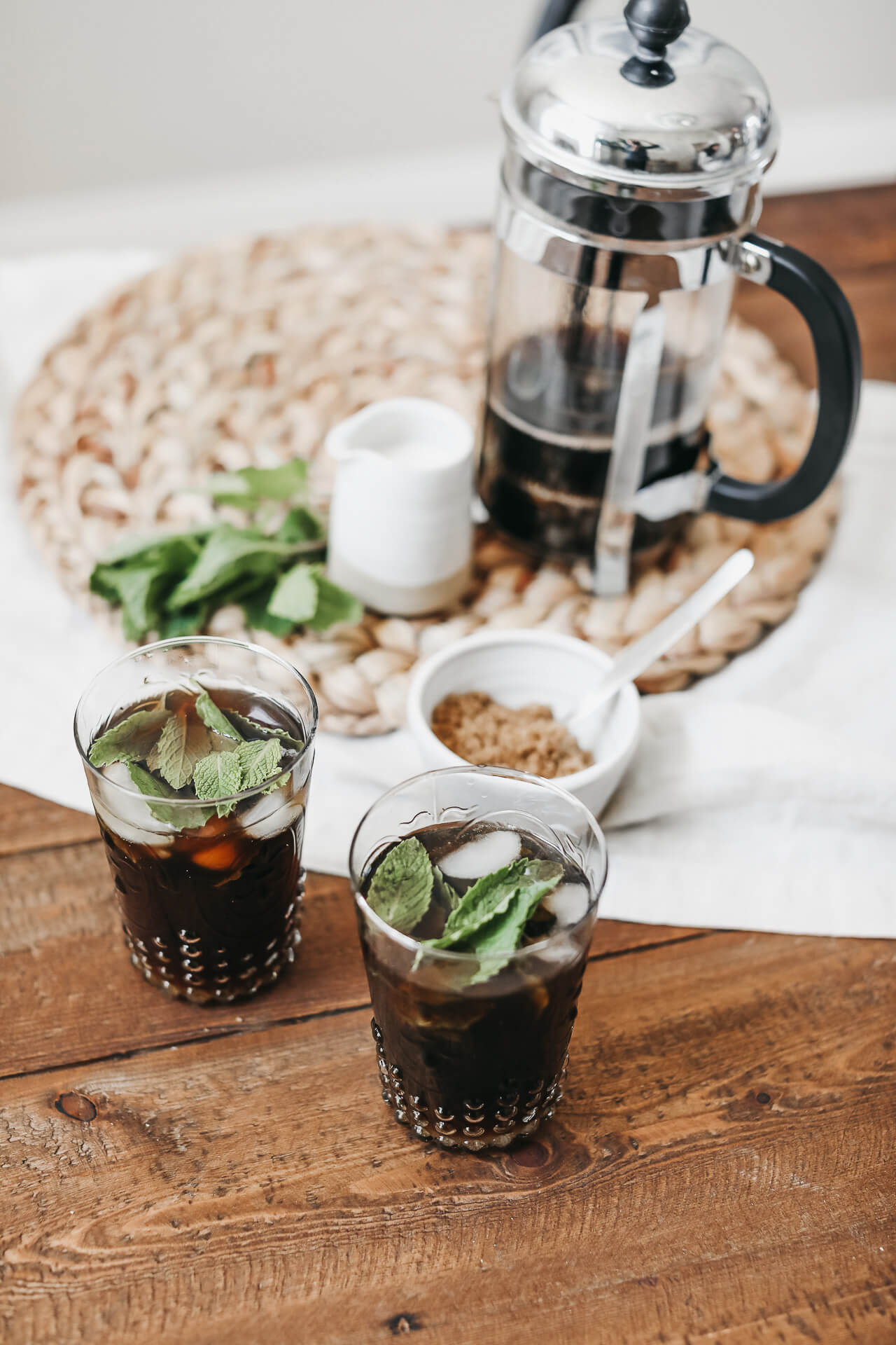 Iced coffee addicts (myself included) will love this refreshing mint flavored coffee! | M Loves M @marmar