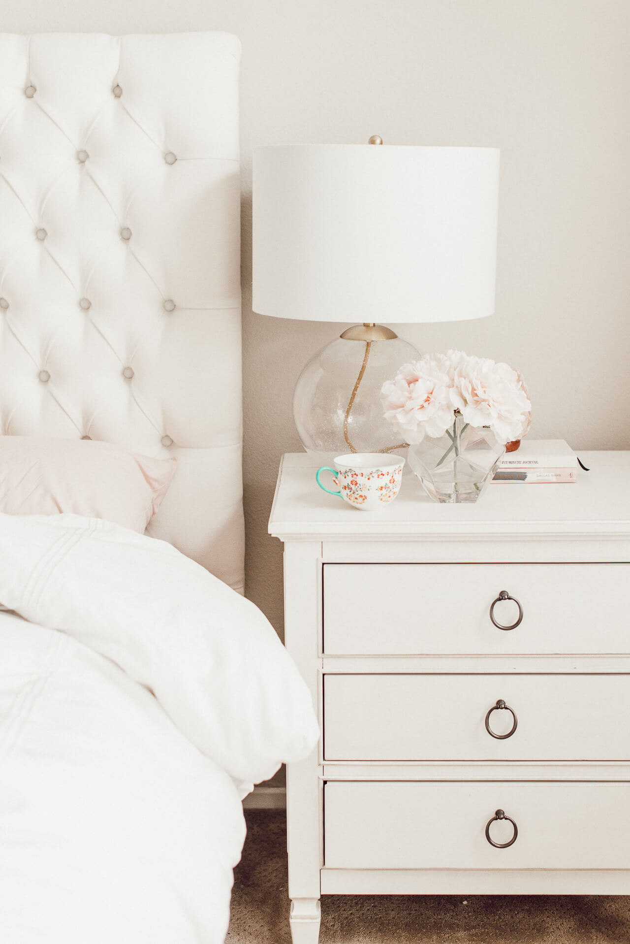 Today I'm sharing my morning routine plus a peek at my bedroom decor! | M Loves M @marmar