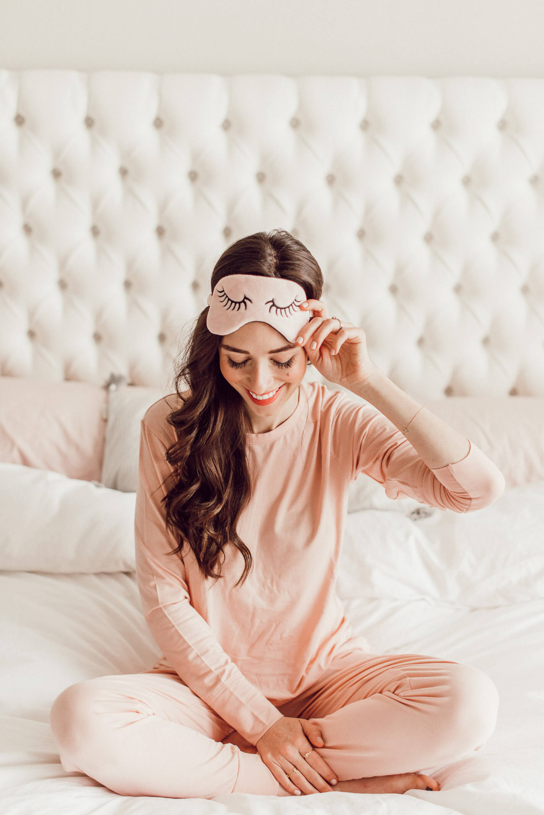 Today I'm sharing my favorite morning routine! It helps me start the day on a productive and happy note!   M Loves M @marmar