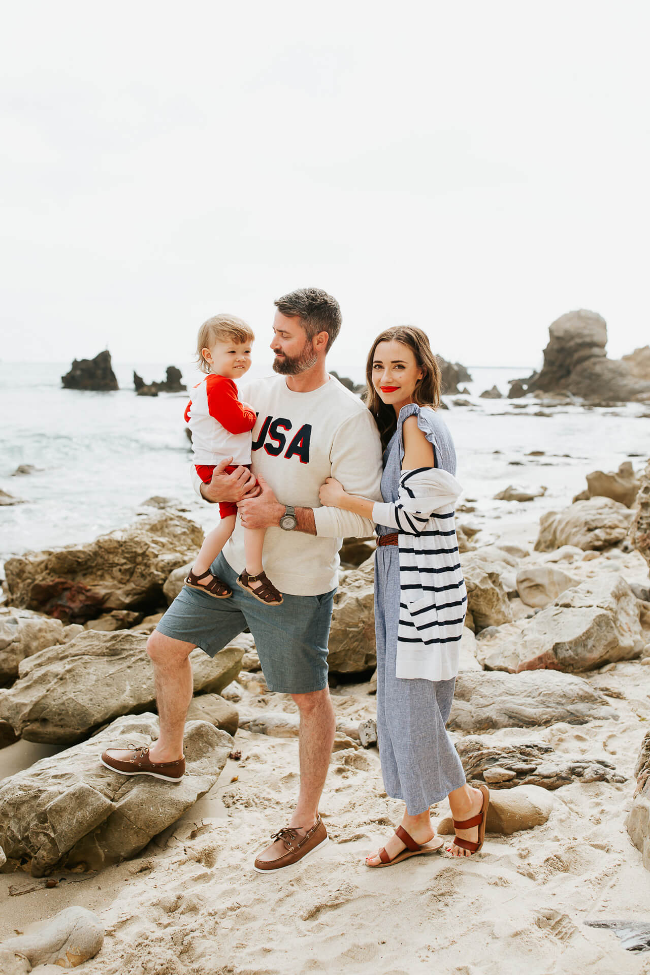 My family loves these patriotic 4th of July outfits from Old Navy! | M Loves M @marmar