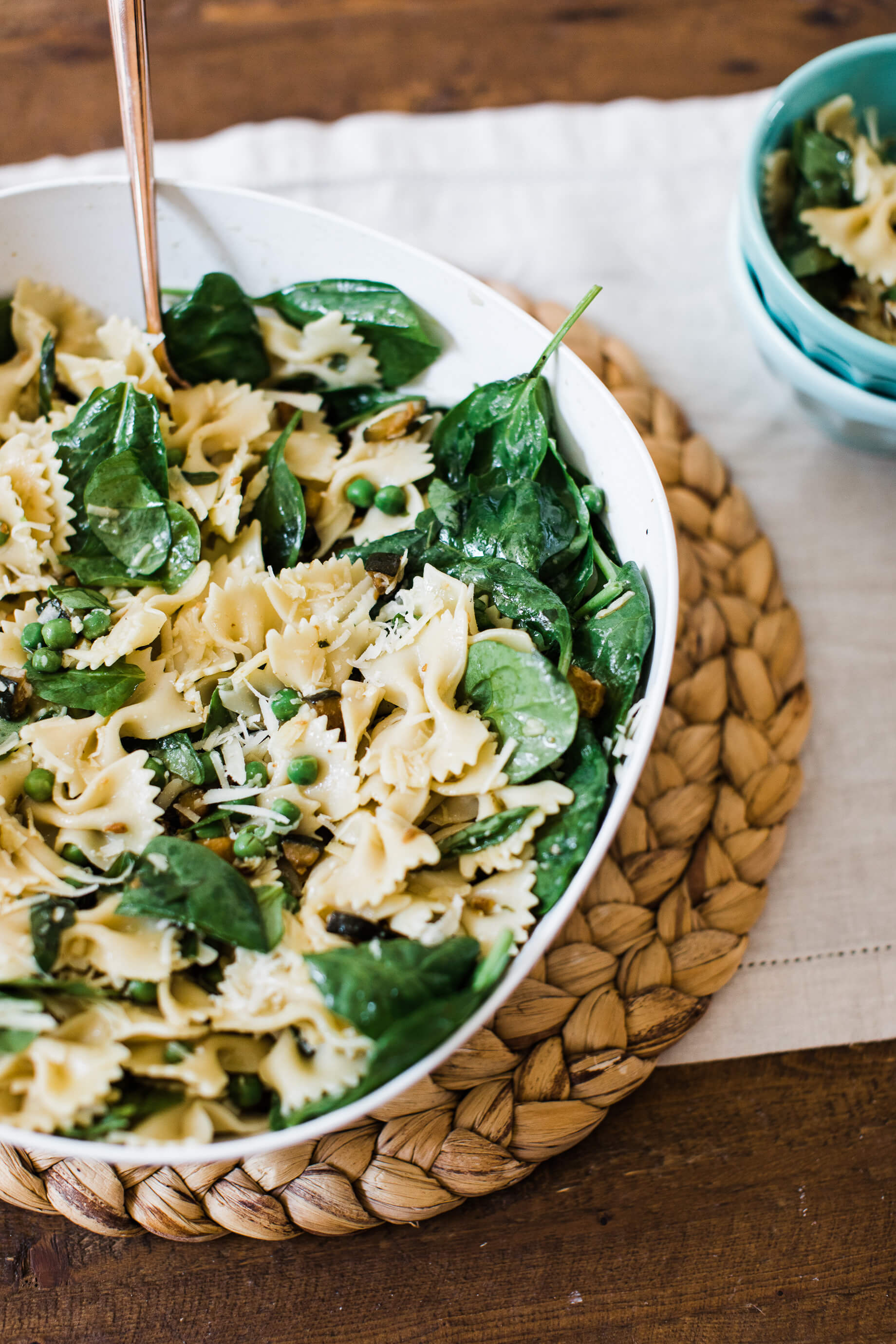 An easy summer pasta salad recipe you have to try! | M Loves M @marmar