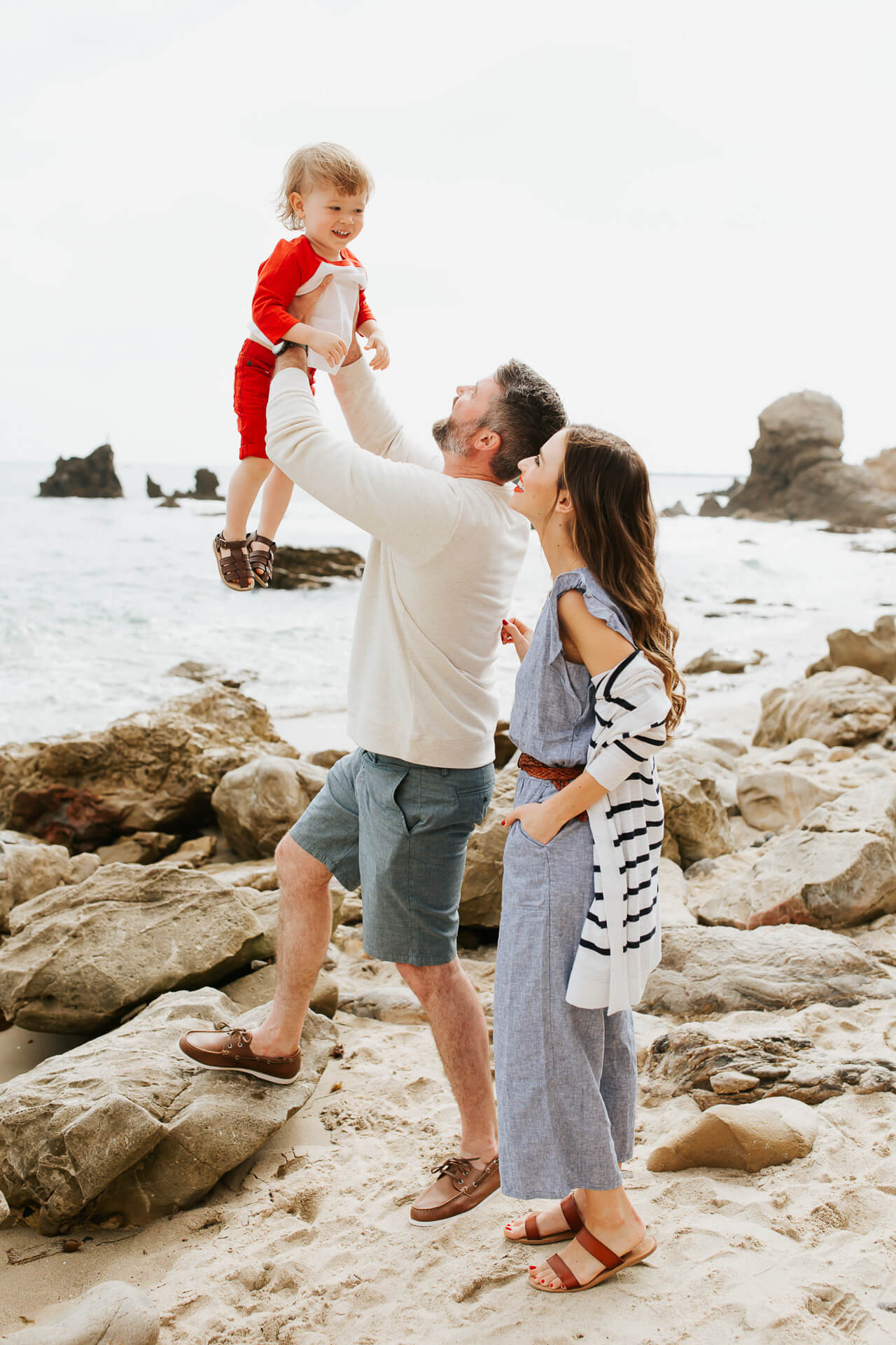 These nautical family photos are some of my favorites! | M Loves M @marmar
