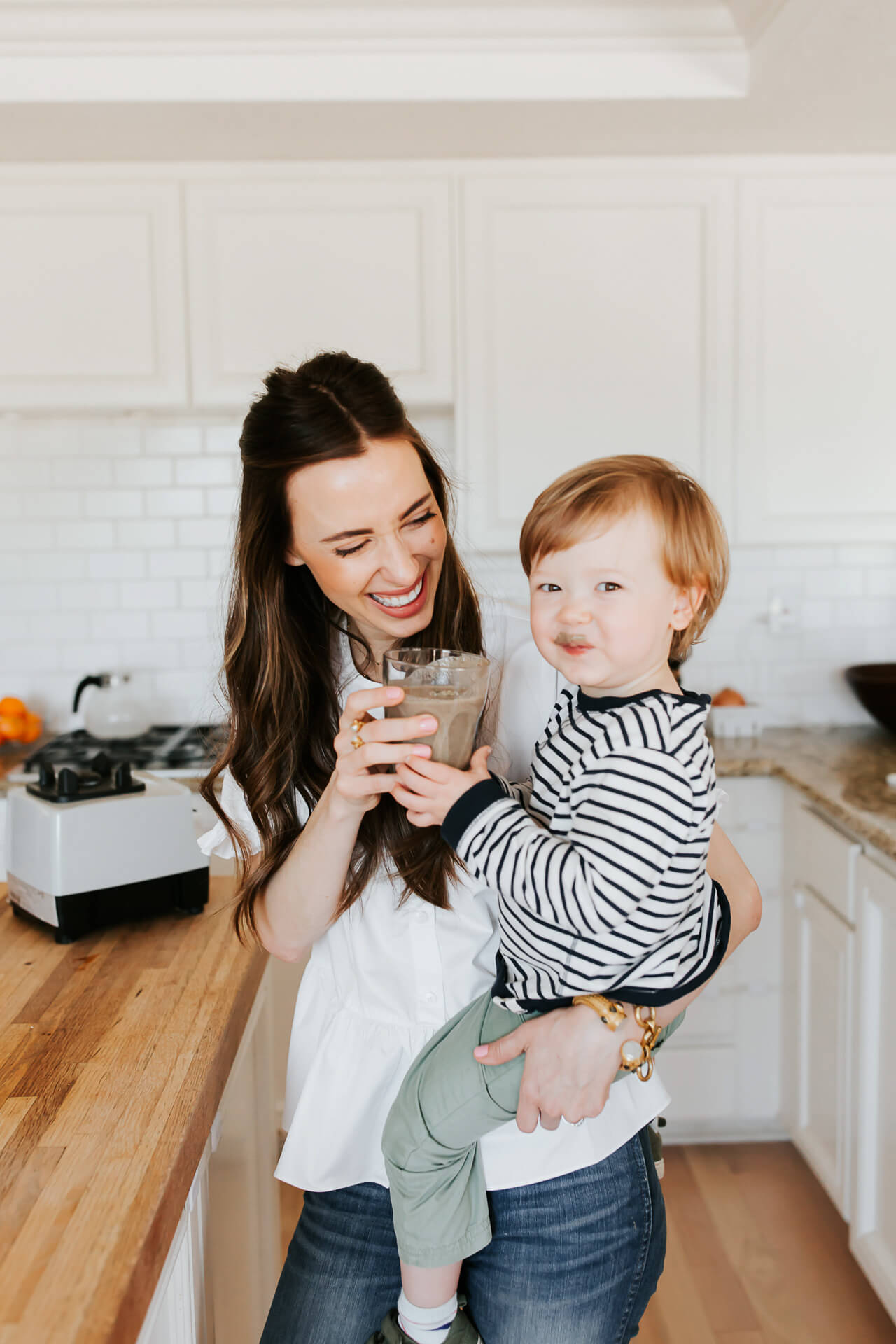 This kid friendly smoothie recipe is so delicious!   M Loves M @marmar
