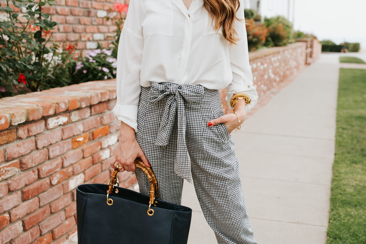 This black leather tote bag, linen pants, and button up are perfect for the office in the summer. | M Loves M @marmar