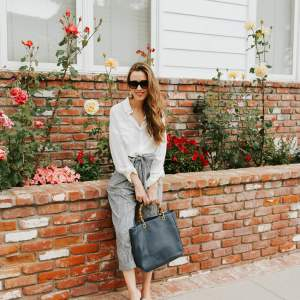 I love wearing these gingham linen pants now that it's so hot out! They're the new summer pant this year! | the new summer pant M Loves M @marmar