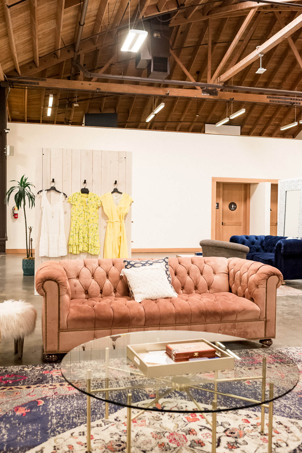Trunk Club's LA warehouse is gorgeous! I love shopping here! | M Loves M @marmar