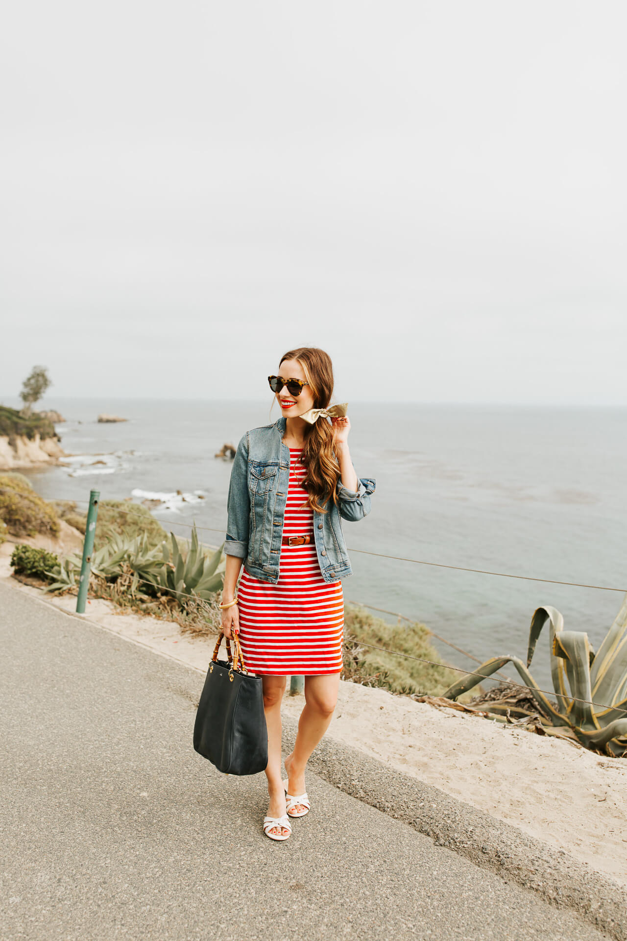 A striped nautical outfit that's perfect for the 4th of July. | M Loves M @marmar