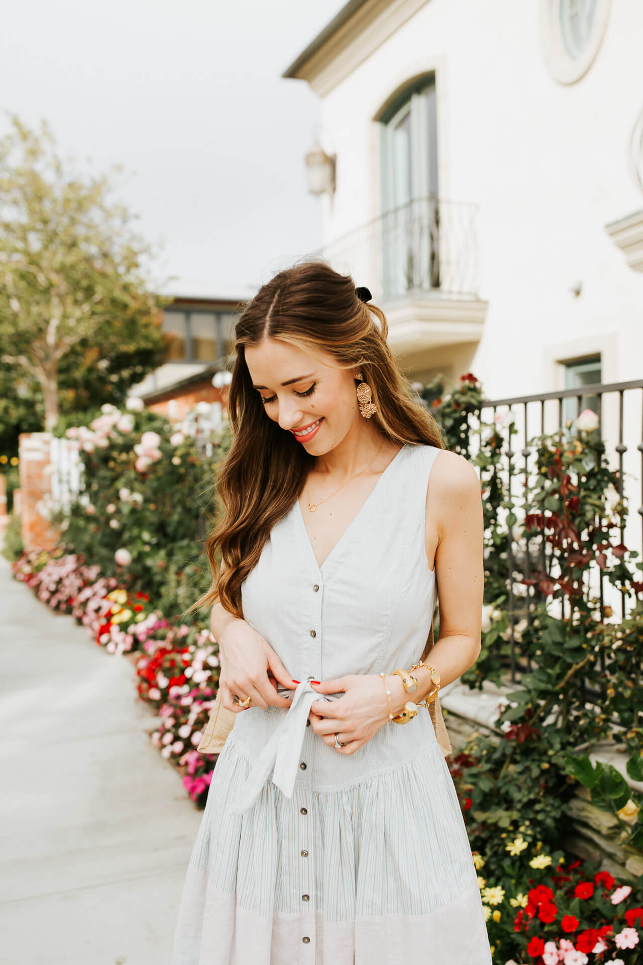 A pretty, feminine button-down dress! | M Loves M @marmar