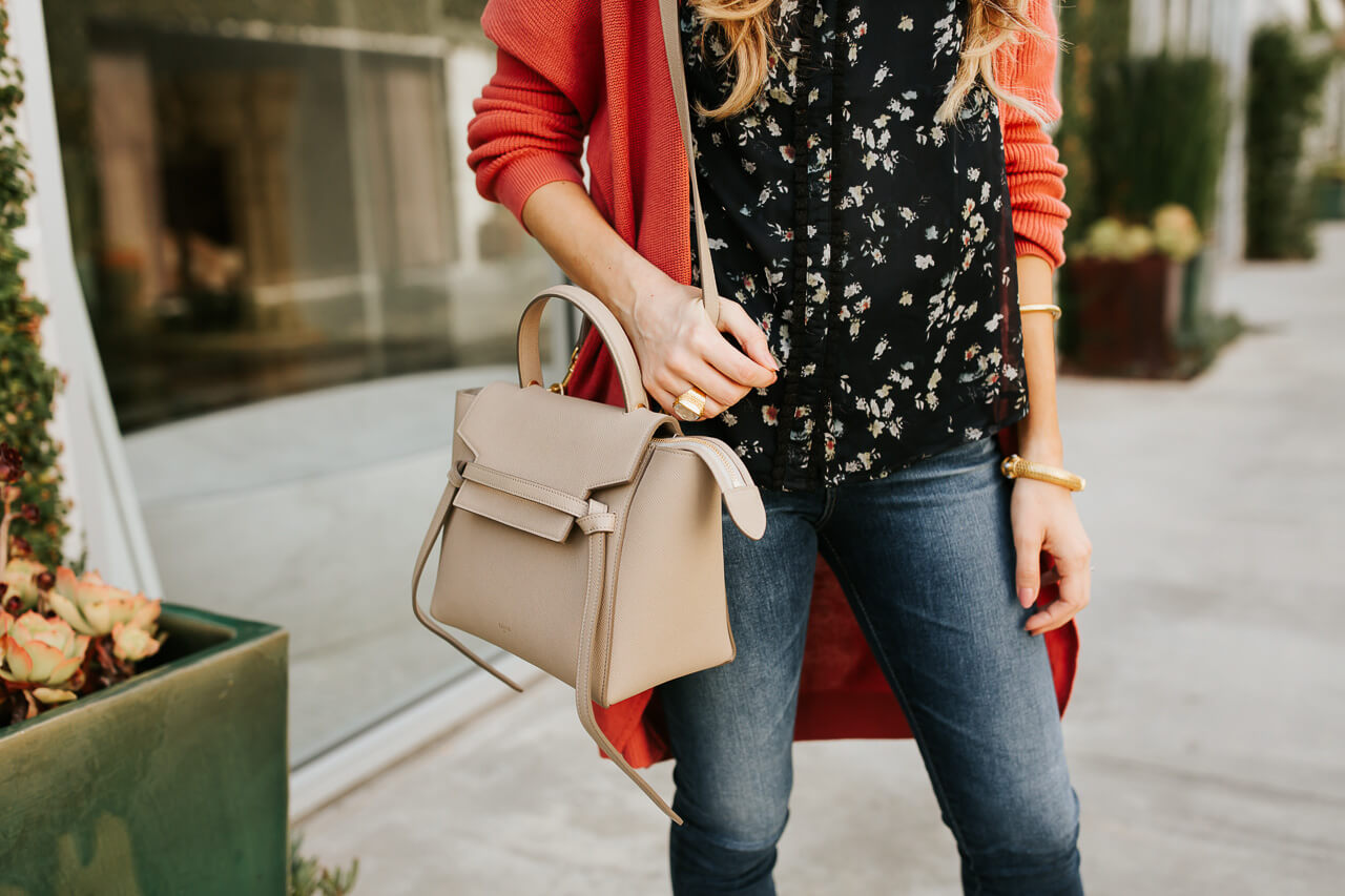 A cute nude bag goes perfectly with denim! | M Loves M @marmar
