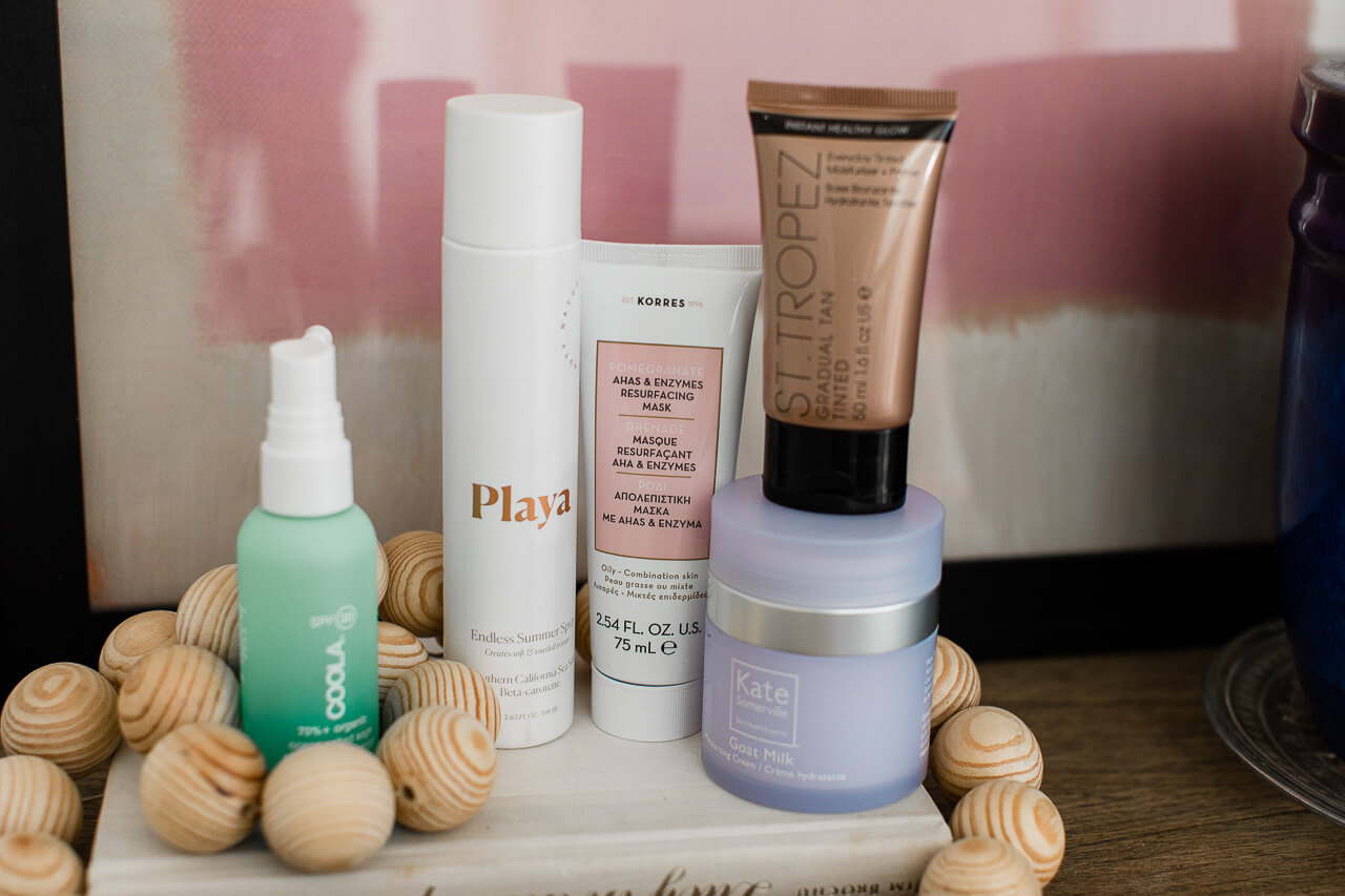 Check out all of my favorite summer skincare, hair, and makeup products! I love these easy beauty products! | M Loves M @marmar