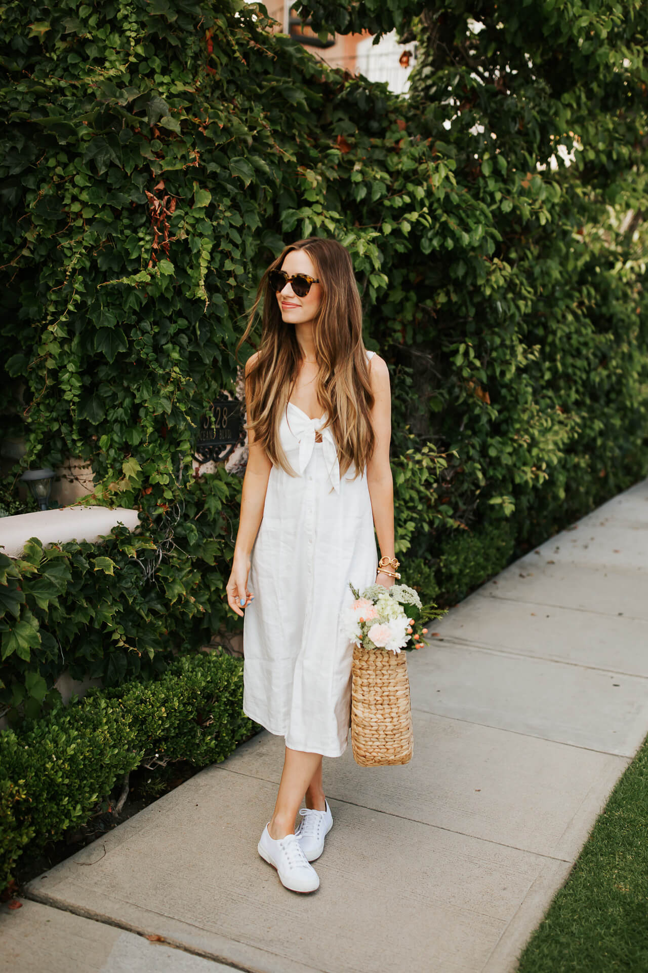 A pretty white outfit for summer. | M Loves M @marmar
