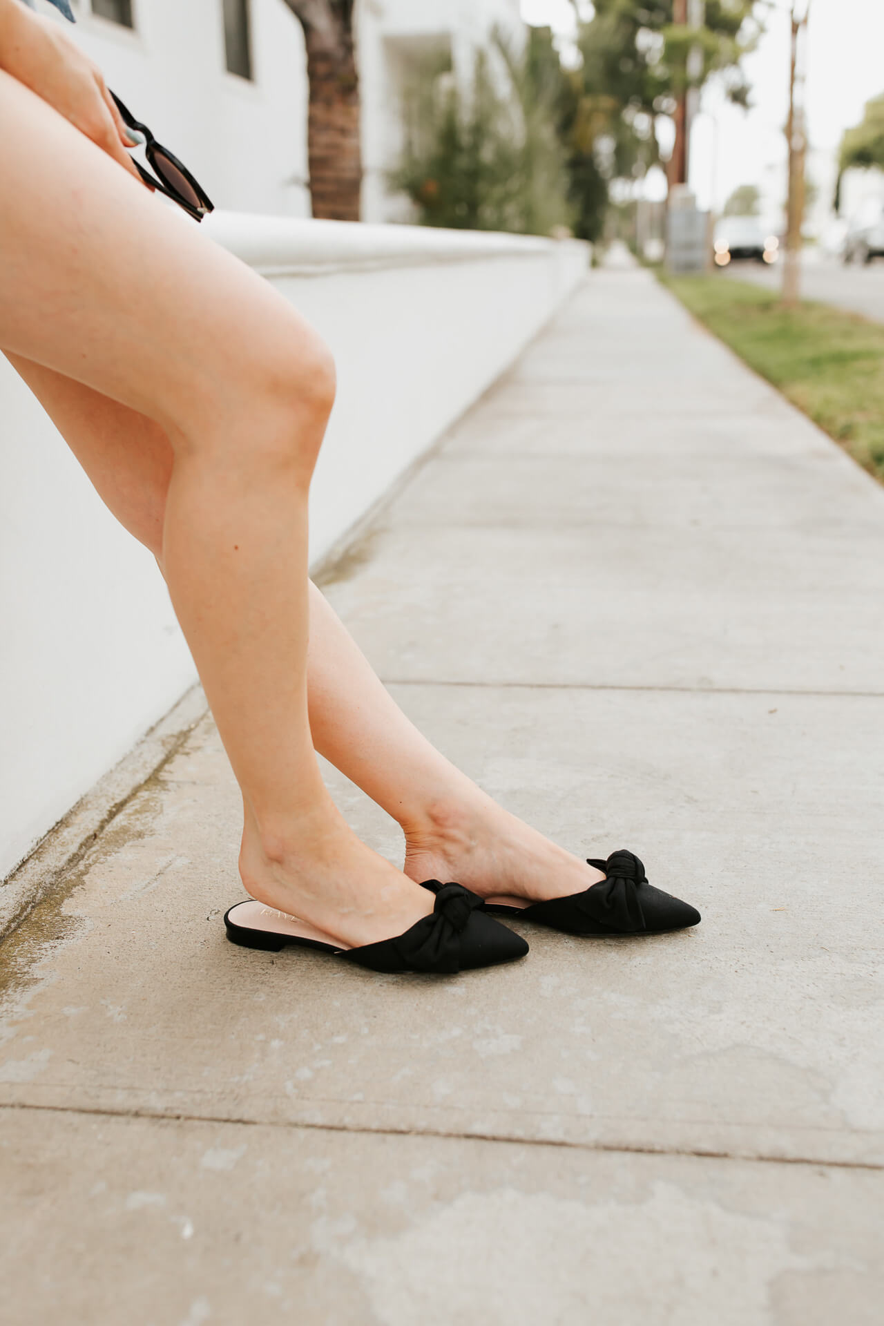 Black bow flats inspired by Audrey Hepburn. | M Loves M @marmar