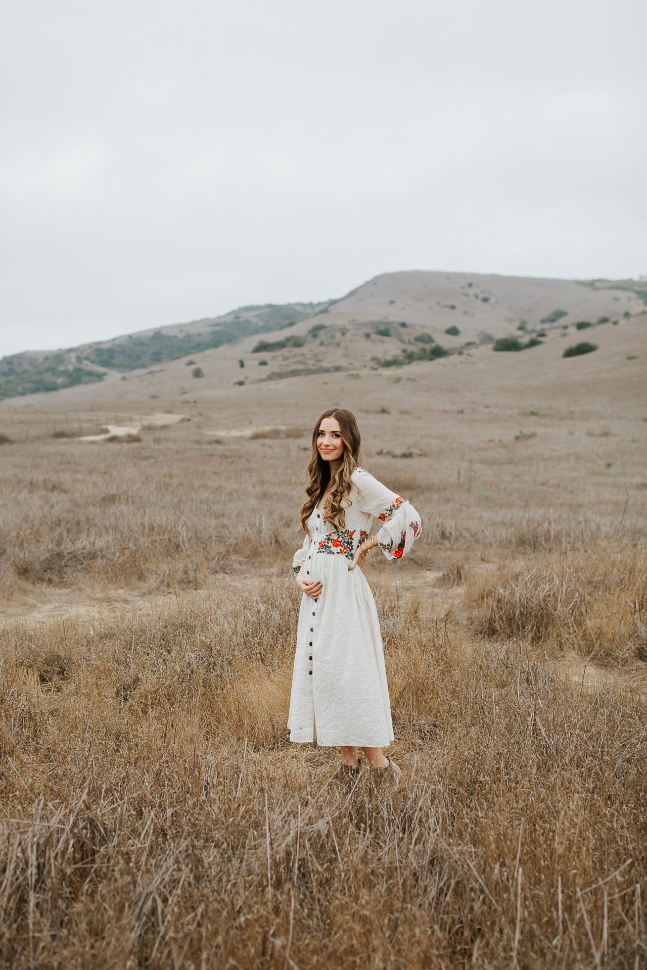 White bohemian maternity dress. | M Loves M @marmar
