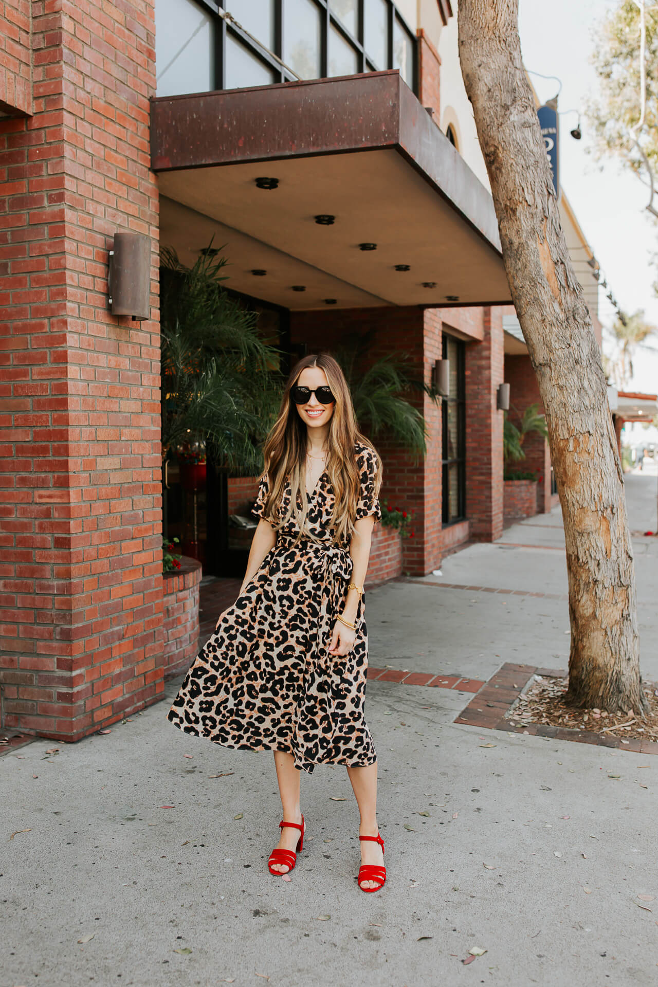 This leopard print dress is perfect for summer or fall! | M Loves M @marmar