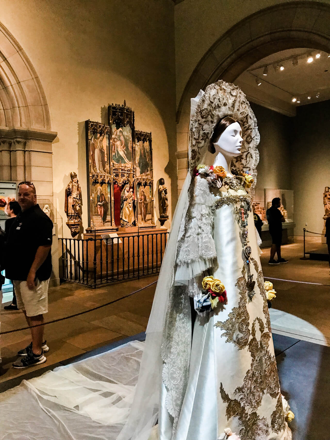 This Christian Lacroix wedding dress was so gorgeous! | M Loves M @marmar