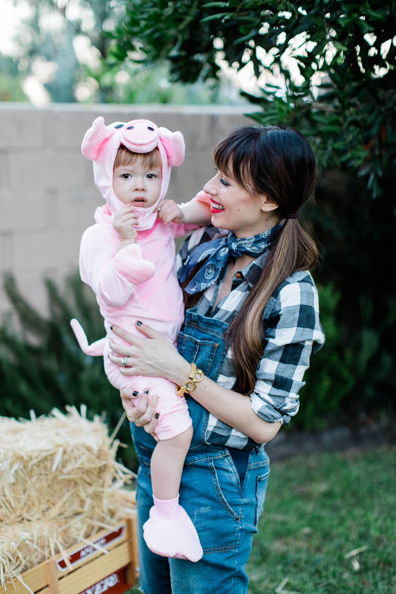 A farmer and pig Halloween costume. - M Loves M @marmar