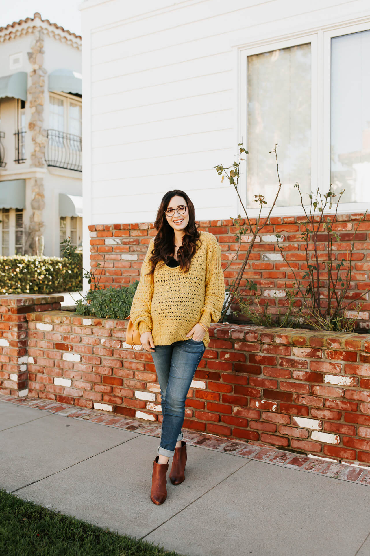 This oversized sweater is such a pretty shade of Gen-Z yellow! How to style an oversized sweater! - M Loves M @marmar