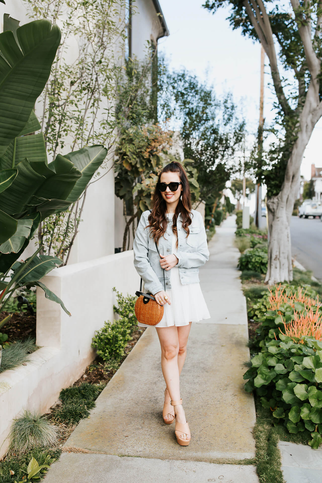 An easy spring dress outfit! The best white dresses for spring! - M Loves M @marmar