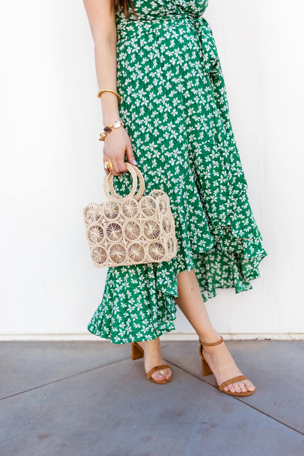 A fun straw bag with a floral pattern! - M Loves M @marmar