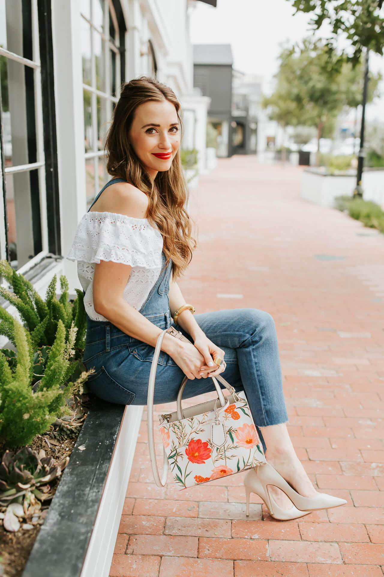 A fun Kate Spade floral bag! - M Loves M