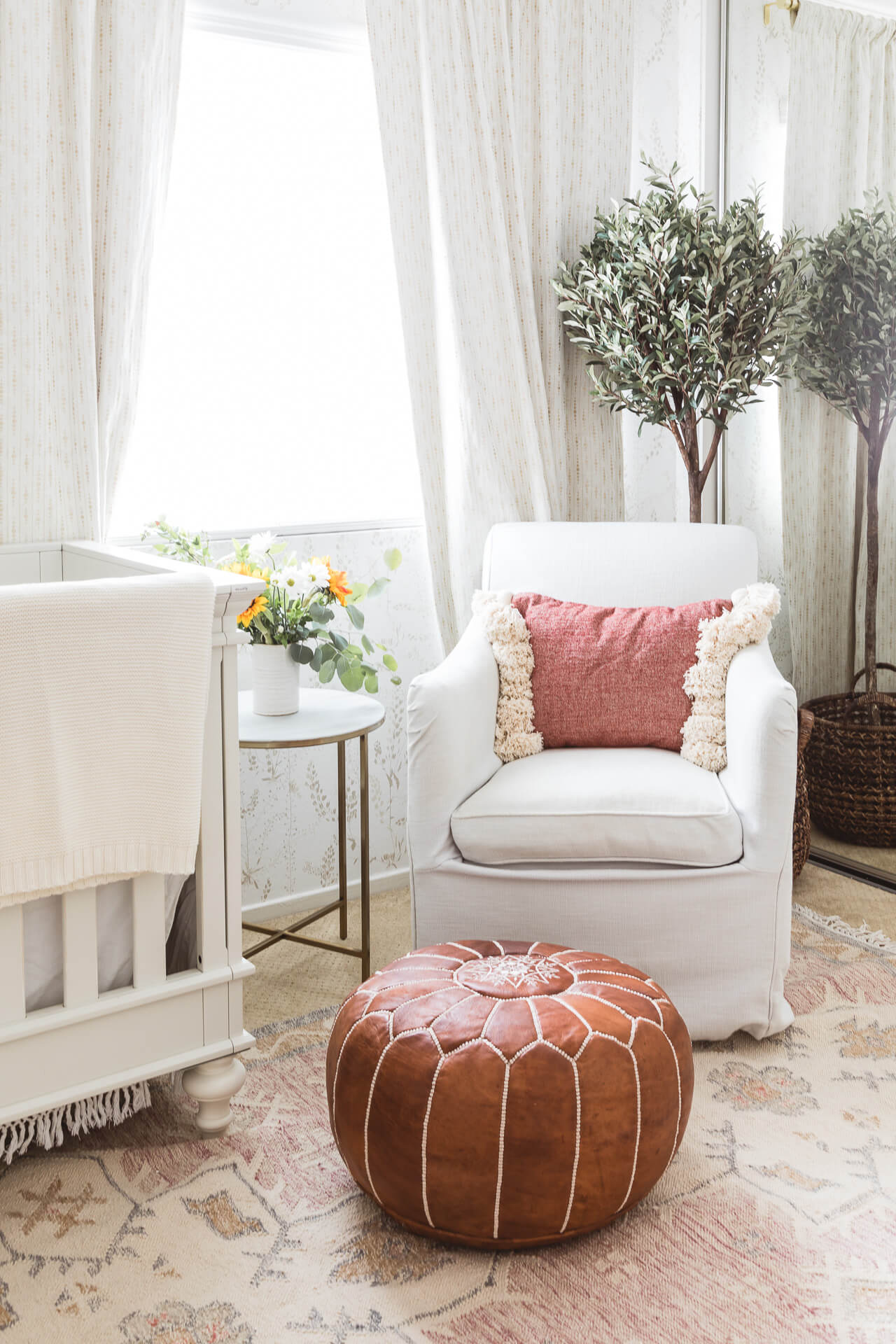 A baby nursery decor makeover! - M Loves M