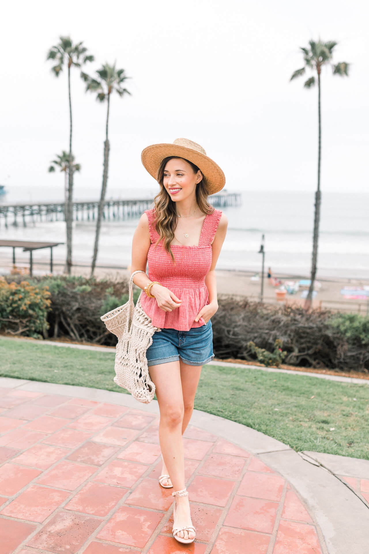 Love this summer beach outfit! - M Loves M